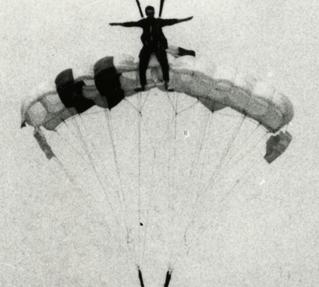 100 éves a magyar katonai ejtőernyőzés